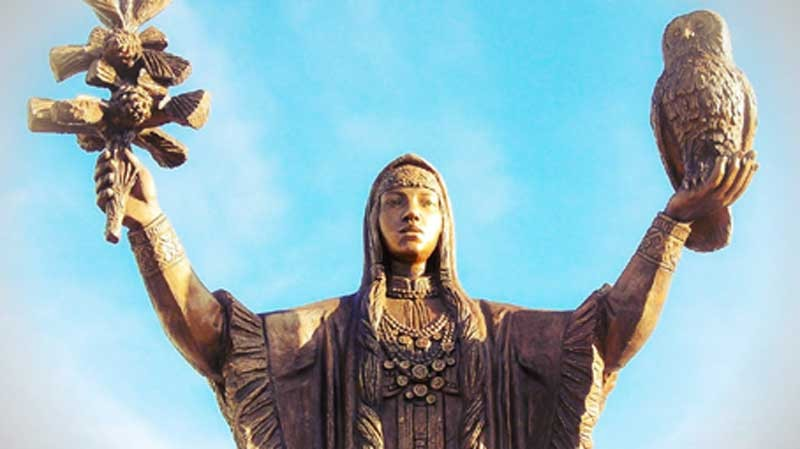Скульптура «Югорская Берегиня»